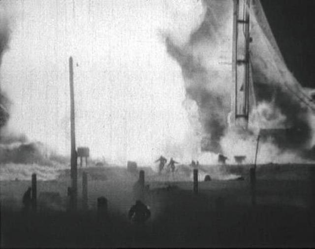 """Старту """"Востока"""" зимой помешала трагическая случайность: 24 октября на Байконуре, не успев стартовать, взорвалась военная ракета, заправленная топливом. В итоге погибло 268 человек, среди которых был и маршал Неделин. Большая часть людей буквально сгорели заживо."""