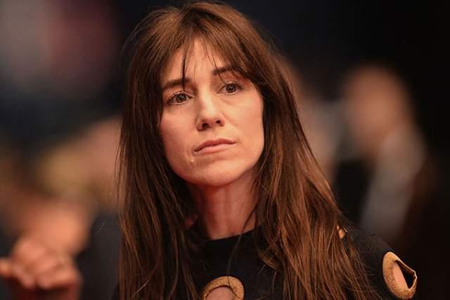 Шарлотта Генсбур. Средней дочери британской красавицы-актрисы Джейн Биркин внешность матери не досталась по наследству.