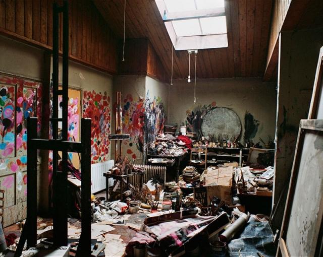 Вот такой вот уютный уголок создал себе художник Фрэнсис Бэкон .