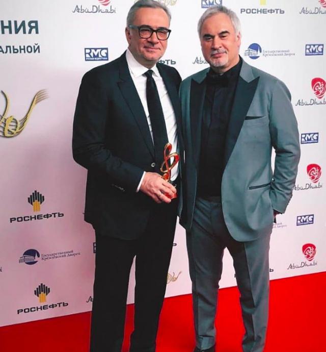 Инженеры-механики по судовым энергетическим установкам Валерий и Константин Меладзе оба окончили Николаевский кораблестроительный институт имени адмирала Макарова.