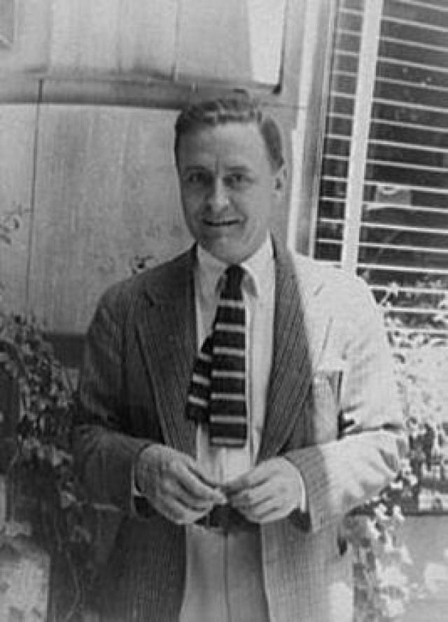"""В 1930-м женщине поставили диагноз """"шизофрения"""". Зельда почти все время находилась в клиниках, а Фитцджеральд отправился в Голливуд, где стал сценаристом."""