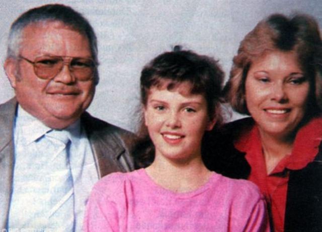 Родители Шарлиз Терон. Актриса была единственным ребенком в семье Герды Джейкоб Алетты и Чарльза Джейкоба Терона. Родители Терон владели фермой и фирмой по строительству дорог, которой управляла Герда.