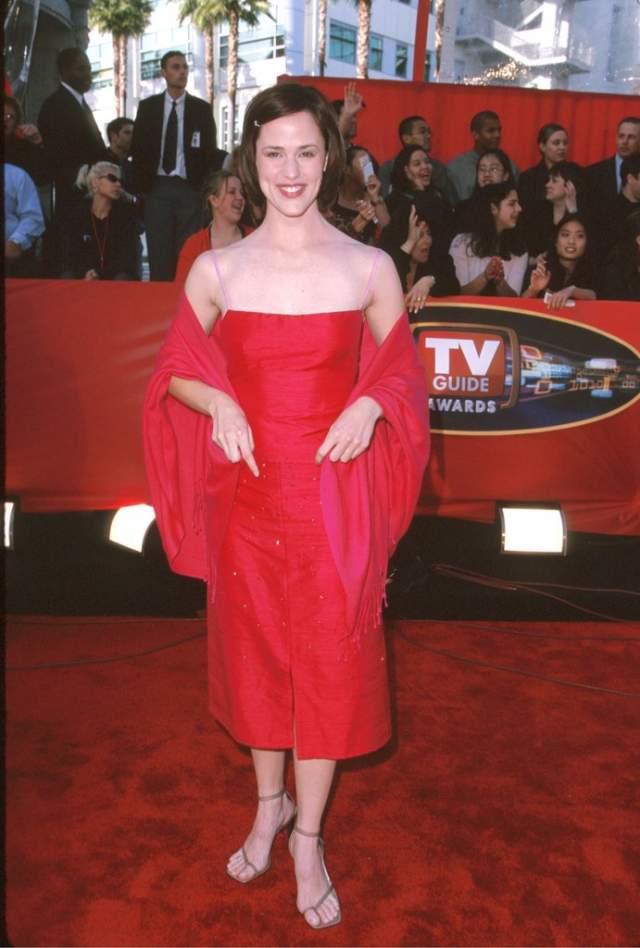 А так стильно выглядела Дженнифер Гарнер в 2001.