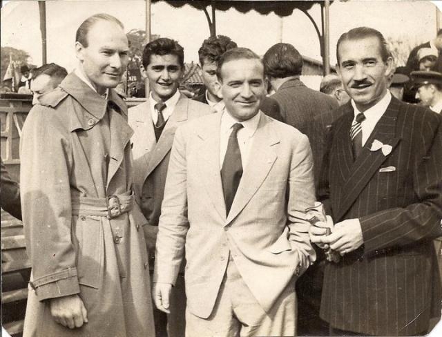 Оба партнера среди прочего поддерживали дружеские отношения с местными диктаторами Аугусто Пиночетом в Чили и Альфредо Стресснером в Парагвае и даже подрабатывали их советниками.
