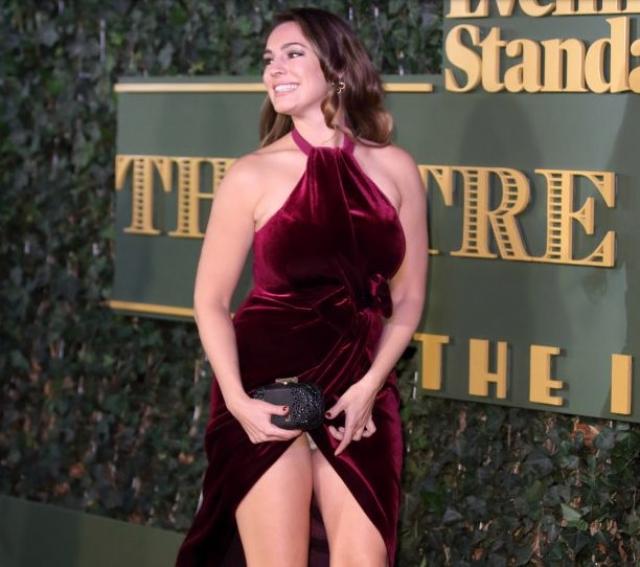 Келли Брук. Платье знаменитости буквально жило своей жизнью на красной ковровой дорожке в 2015 году.