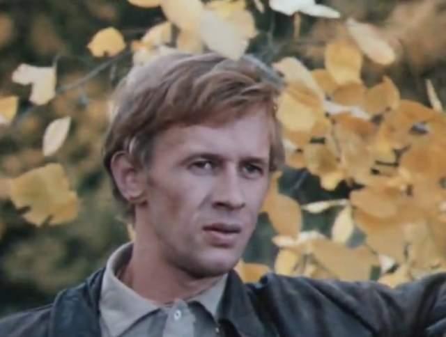 Виктор получил актерское образование и стал профессиональным артистом, снялся более чем в 50 фильмах и сериалах.