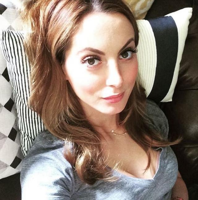 Эва Амурри - дочь актрисы Сьюзан Сарандон .