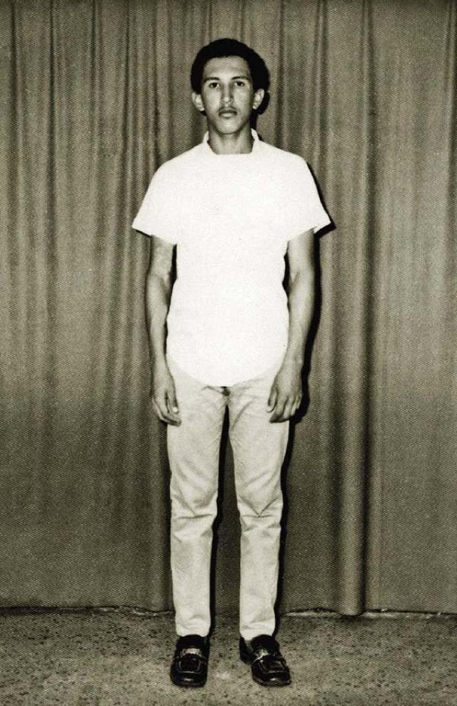 В семнадцатилетнем возрасте Уго Чавес поступил в военную академию, где и решил впервые бороться за социальную справедливость.