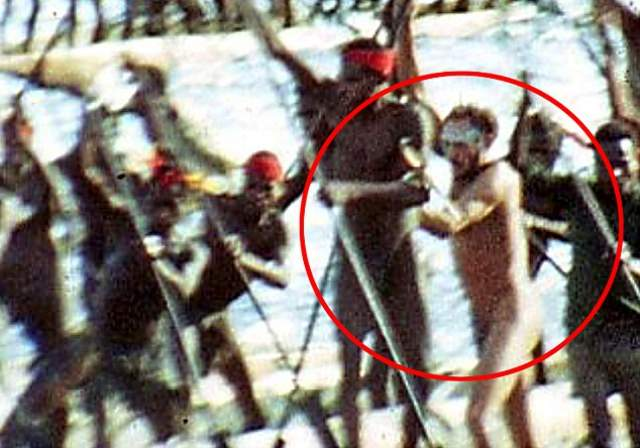 Не так давно была выдвинута версия, что Рокфеллер не погиб, а сам стал каннибалом. В 1969 году в прессу попал снимок, где вместе с аборигенами с оружием идет некий белый мужчина, который мог быть наследником многомиллионного состояния.
