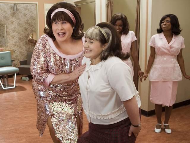 """Никки Блонски стала знаменита, снявшись в главной роли в мюзикле """"Лак для волос"""" в 2007 году, что дало толчок ее карьере в кино."""