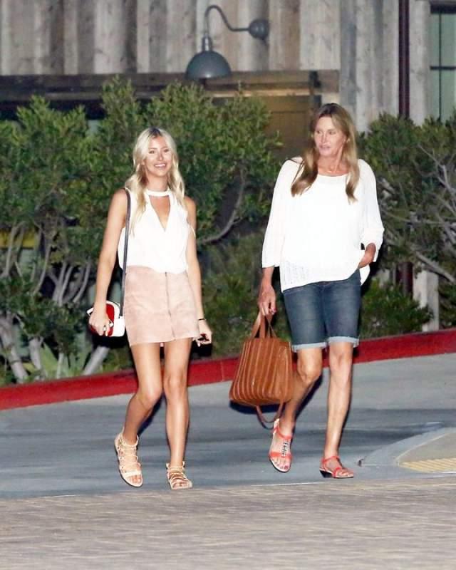 Сейчас София - вполне успешная и достаточно известная модель. Во многом - благодаря Кейтлин, в доме которой не раз папарацци замечали симпатичную блондинку. Ходили слухи, что они встречаются и даже собираются пожениться.