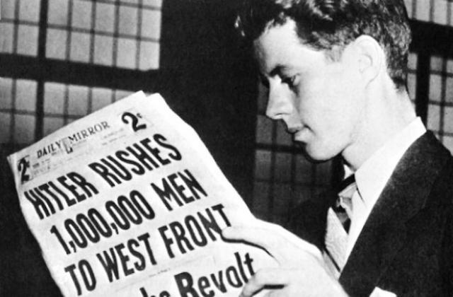 Джон Кеннеди. Будущий американский президент поступил в Лондонскую школу экономики и политических наук, но позже перевелся в Принстонский университет.