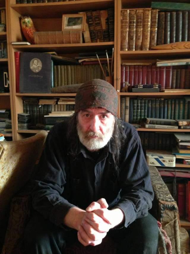 """После """"МВ"""" выступал с """"Воскресением"""" (1981—1984) и СВ (1984—1993, программа """"Московское время"""") в роли """"читателя поэзии"""": открывал концерты и читал поэтические эпиграфы перед песнями. Публиковался в Самиздате."""