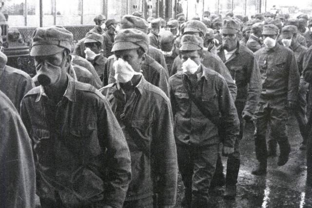По тем же данным, от острой лучевой болезни умерли 50 человек из числа ликвидаторов взрыва на ЧАЭС, еще 9 погибли чуть позже от рака щитовидной железы.