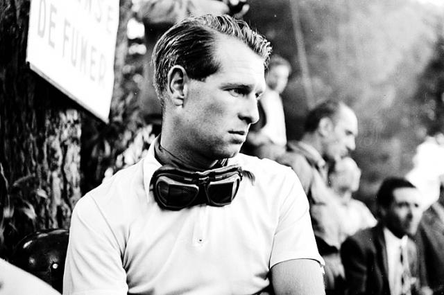 Питер Коллинз погиб так же, как и его коллега Луиджи Муссо, в том же 1958 году, на Гран-при Германии.