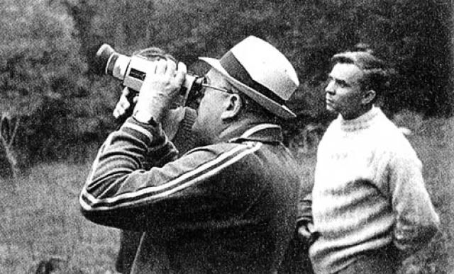 Больше полутора месяцев Юрий Владимирович в отпуске не проводил, а уж об охоте или туристических вылазках и вовсе речи не идет.