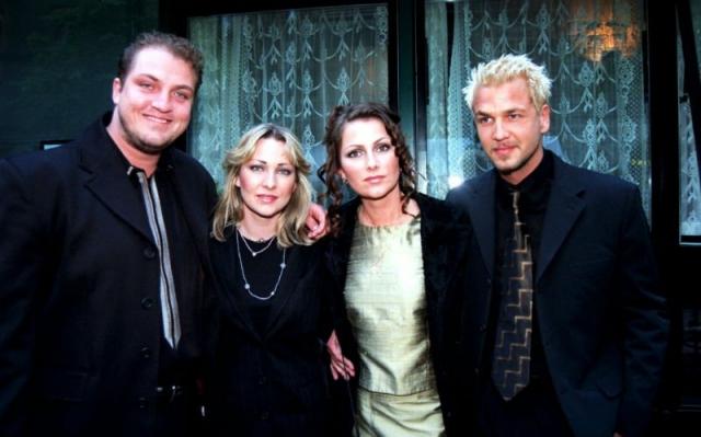 В 2009 году коллектив покинула солистка Йенни Берггрен. Оставшиеся участники создали новый музыкальный проект, но через три года новый коллектив распался.