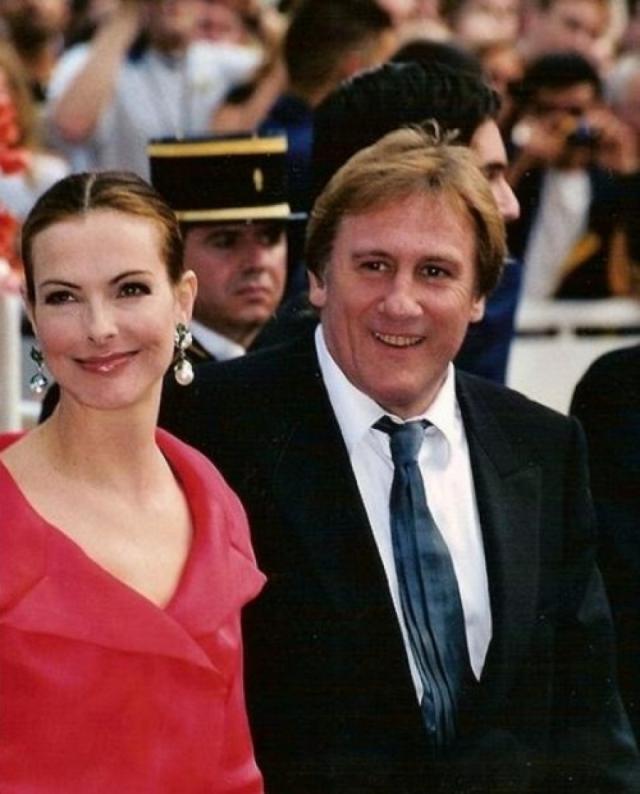 Жерар Депардье и Кароль Буке. С актрисой упитанный француз прожил целых девять лет, причем расстались они, представьте себе, из-за постоянного смакования прессой измен Жерара.