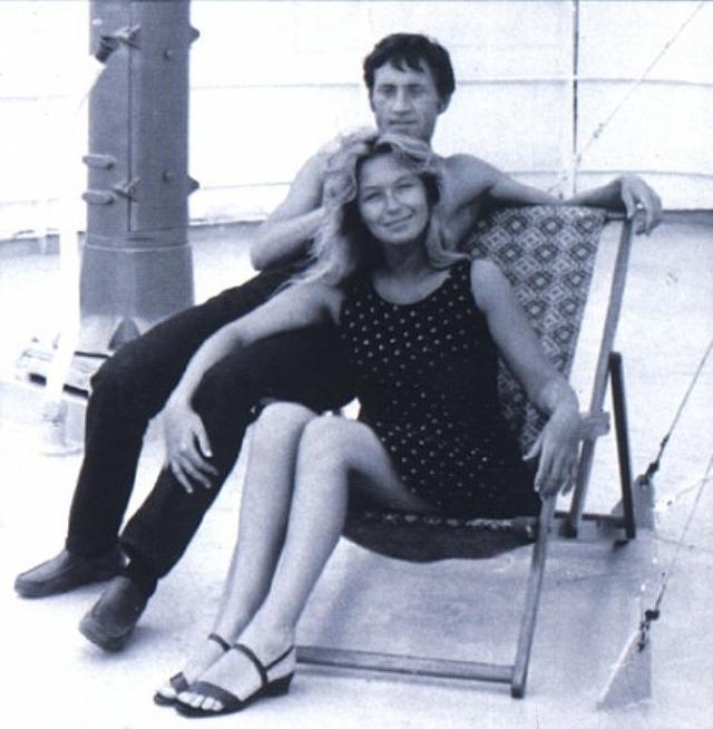 И вот уже вскоре, 13 января 1970 года в арендованной на время московской квартире состоялась свадьба Владимира Высоцкого и Марины Влади.