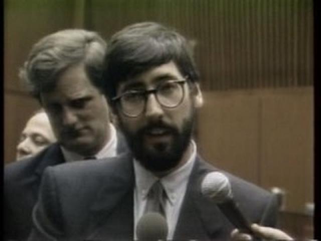 23 июля 1982 года во время съемок Вику отрубило голову лопастью винта, дети шести и семи лет также погибли. Джона оправдали, но он выплатил по $2 млн семьям погибших.