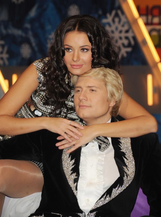 В 2009 году, на музыкальном фестивале в Юрмале, Николай даже сделал Оксане предложение руки и сердца, но свадьбе не суждено было состояться.