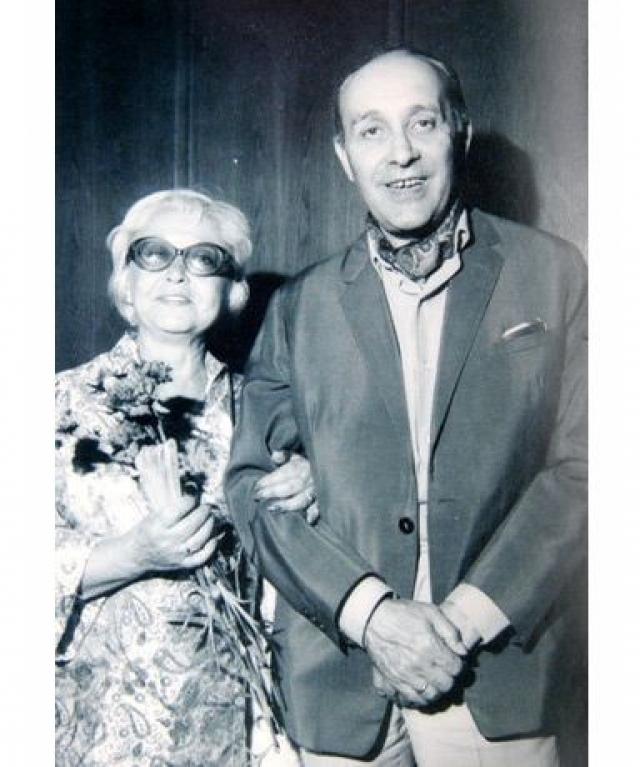 В 1957 году актриса вместе с третьим мужем, польским режиссером Леонидом Жано, уехала в Польшу, где прожила следующие тридцать лет своей жизни. Ее несколько раз приглашали сниматься, но она отклонила эти предложения.
