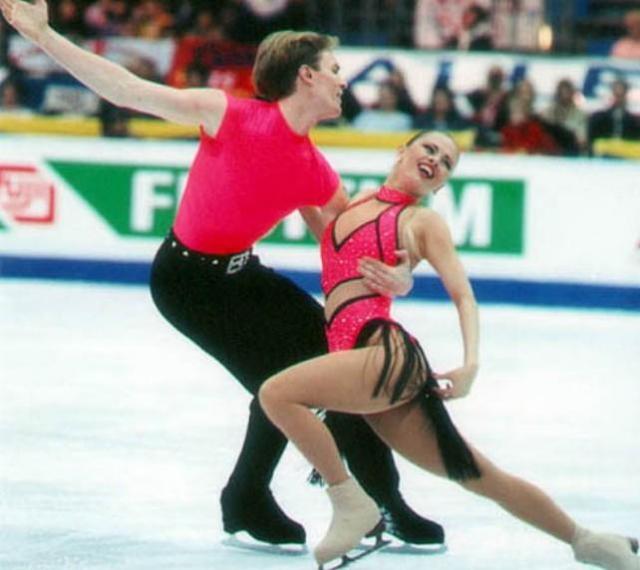 Семенович неоднократно завоевывала призовые места на международных соревнованиях, а их пара с Костомаровым становилась серебряными призерами чемпионата России и считалась вторым по силе российским дуэтом.