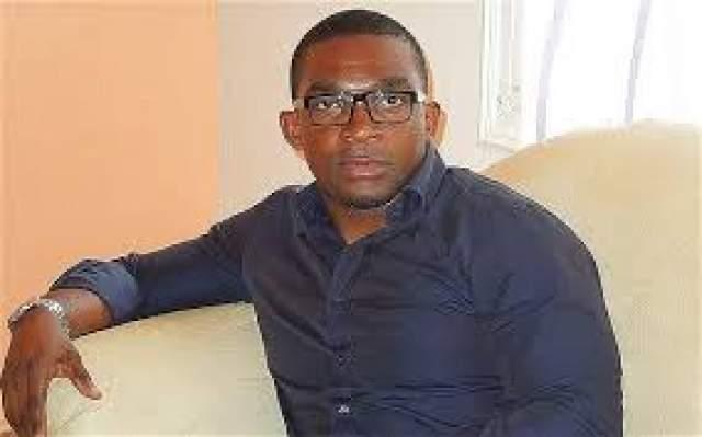 Эрик Муссамбани, пловец, 40 лет . Небогатая Экваториальная Гвинея очень желала заявить о себе в мире спорта, но к решению вопроса подошла не очень ответственно. На Олимпиаде-2000 в их сборную взяли пловца Эрика Муссамбани.