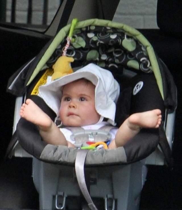 В 2013 году Горбани родила девочку, которую назвала Джеммой. Галлахер не согласился признавать отцовство, и тогда журналистка подала в суд.