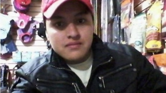 """21-летний Оскар Огилар хотел сделать """"крутое"""" селфи с пистолетом и выложить в фейсбук, но случайно застрелился."""
