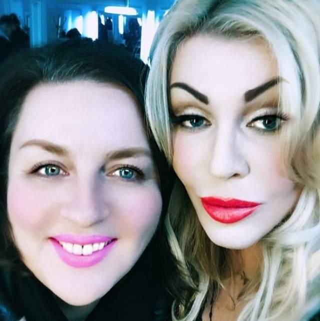Ирина Билык, 48 лет. Народная артистка Украины увлеклась встроенными в приложения масками с макияжем, из-за чего брови у нее оказались поверх волос.