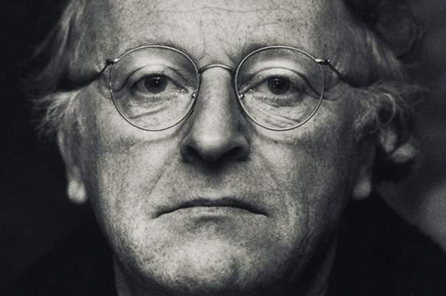 Бродский скоропостижно скончался в ночь c 27-го на 28-е января 1996 года, не дожив четырех месяцев до своего 56-летия, из-за внезапной остановки сердца вследствие инфаркта.