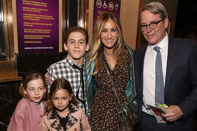 Однако вот уже более десяти лет Паркер счастлива с мужем Мэттью Бродериком, и их пару называют одной из самых крепких и счастливых в Голливуде.