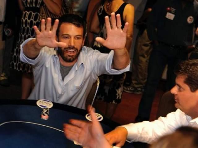 """Самую крупную сумму он выиграл в начале """"карьеры"""" игрока в 2001 году - тогда в его карман упали 800 тыс. долларов."""