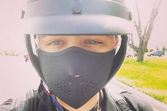 Популярный исполнитель рэгги Джадиель сделал это селфи незадолго до того, как разбился на мотоцикле.