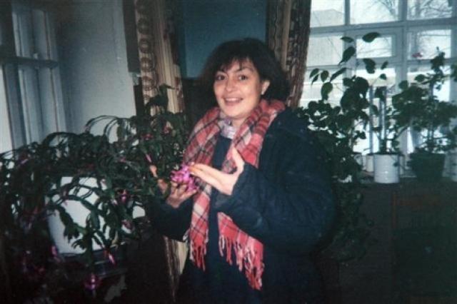 Девочке исполнилось семь лет, и она пошла в школу, лишь тогда Лидия Николаевна внезапно пожелала забрать ее к себе. Бывшая свекровь девочку не отдала, последовали судебные разбирательства, и на суде уже 10-летняя Настя заявила, что хочет жить с бабушкой.