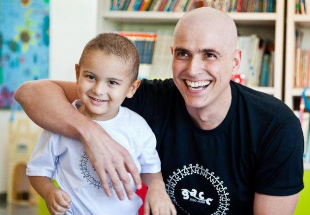 После этой роли он сразу стал секс-символом Бразилии. В августе 2010 года у Джанеккини был обнаружен рак, с которым он борется до сих пор. Несмотря на болезнь, актер продолжает сниматься в сериалах.