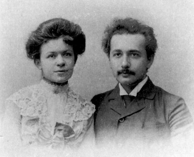 В первый раз Альберт женился против воли родителей на своей однокурснице, у них было двое детей.