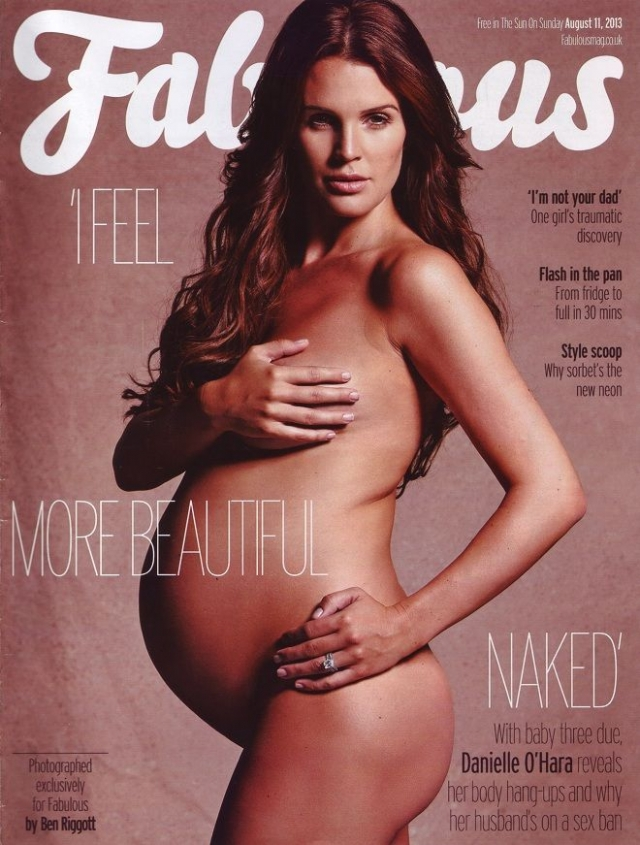 Звезда британского ТВ Даниэль Ллойд решила повторить фотосессию в стиле Деми Мур для журнала Fabulous.