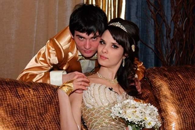 """Венцеслав в 2012 году после нескольких предупреждений, что уйдет с проекта, выполнил свою угрозу. До этого он успел встретить свою """"любовь"""", Екатерину Токареву, жениться на ней, а через несколько месяцев развестись."""