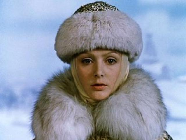 """После этого она сыграла еще в нескольких сказочных фильмах: """"Принцесса на горошине"""", """"Подарок черного колдуна"""" и """"Ледяная внучка"""", но в 90-е оказалась совершенно невостребованной кинематографом."""