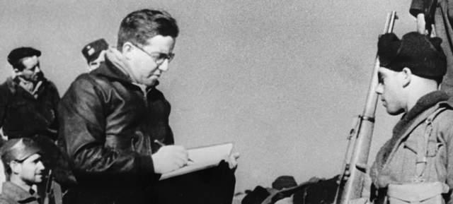 """Кольцов был арестован 13 декабря 1938 года в редакции газеты """"Правда"""" по обвинению в антисоветской троцкистской деятельности и в участии в контрреволюционной террористической организации, в том числе во время пребывания в командировке в Испании."""