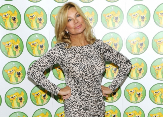 Джилли Джонсон. В 1975 году Джонсон стала первой моделью, которая появилась топлес на страницах британской газеты газеты Daily Mirror.