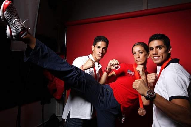 Отметим, что Лопес является участником пяти Олимпийских игр. На Играх 2000 и 2004 годов американец выигрывал золото, а на Олимпиаде-2008 завоевал бронзу. Также Лопес является пятикратным чемпионом мира.