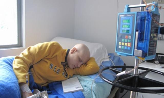 Лечение не помогло Эве и спустя год и 10 месяцев борьбы с болезнью, 17 декабря 2011 года, 28-летняя модель скончалась в Хьюстоне (штат Техас, США).
