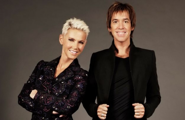 В 2000 году у вокалистки был обнаружен и прооперирован рак мозга. Работа коллектива была приостановлена, но участники записывали сольные пластинки.