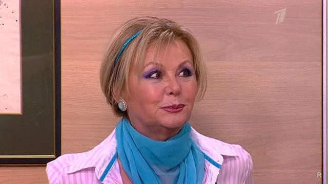 Наталья Селезнева. По воспоминаниям самой актрисы, в прошлом она довольно долго и серьезно болела и в результате перенесла серьезную операцию на щитовидной железе.