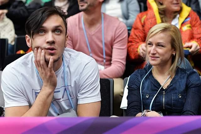 Максим Траньков (34) и Татьяна Волосожар (32). Как пара они выступили на льду еще в 2010 году, когда победили на Кубке России в Перми.