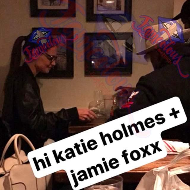 Кэти Холмс и Джейми Фокса застали за романтическим свиданием в одном из ресторанов Нью-Йорка.