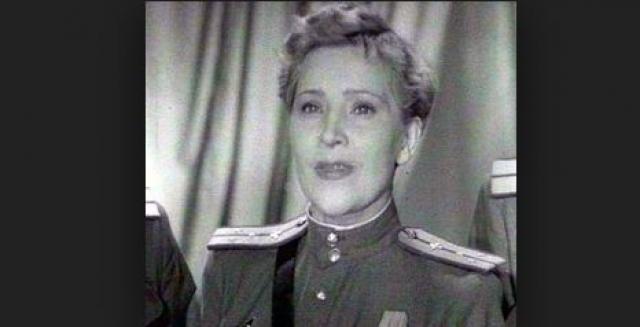Актриса жила замкнуто, очень одиноко, фактически в нищете. Умерла Людмила от удушья газом из плиты: до сих пор неизвестно, было ли это самоубийство или несчастный случай.